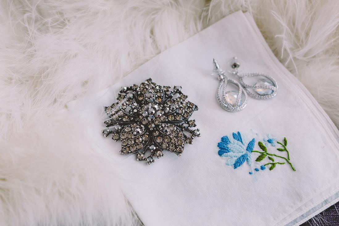 Bride's Accessories | Thompson Hotel Wedding, Toronto | EIGHTYFIFTH STREET PHOTOGRAPHY