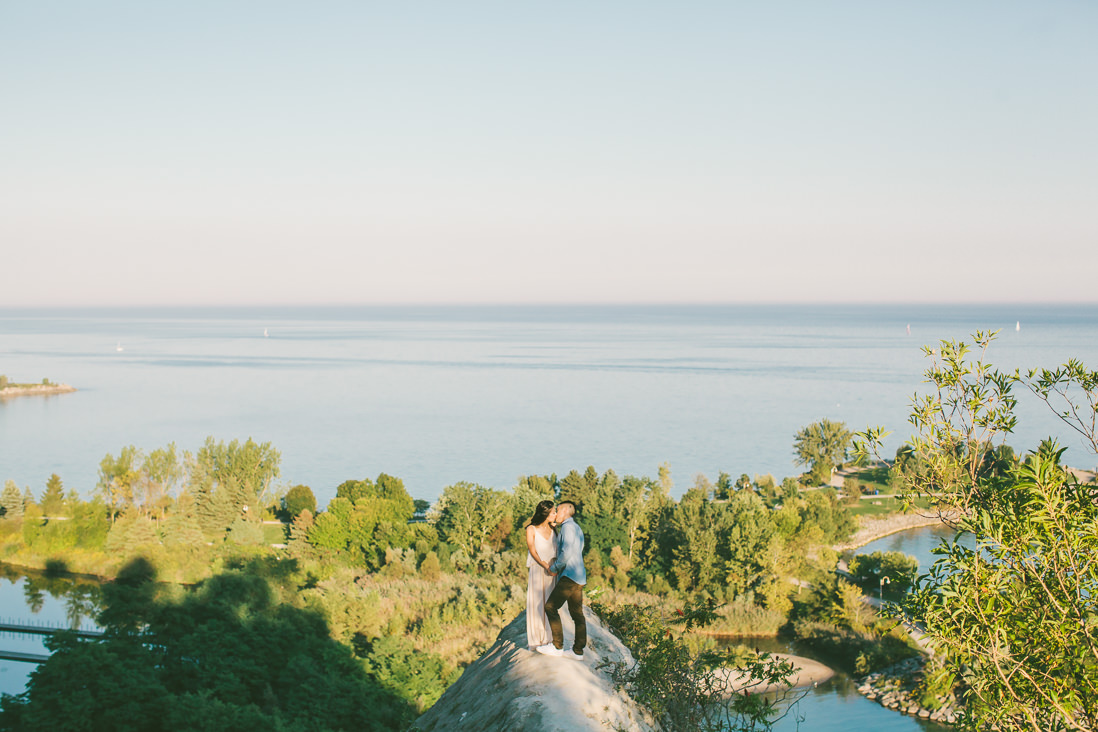 Scarborough Bluffs Engagement - EightyFifth Street Photography