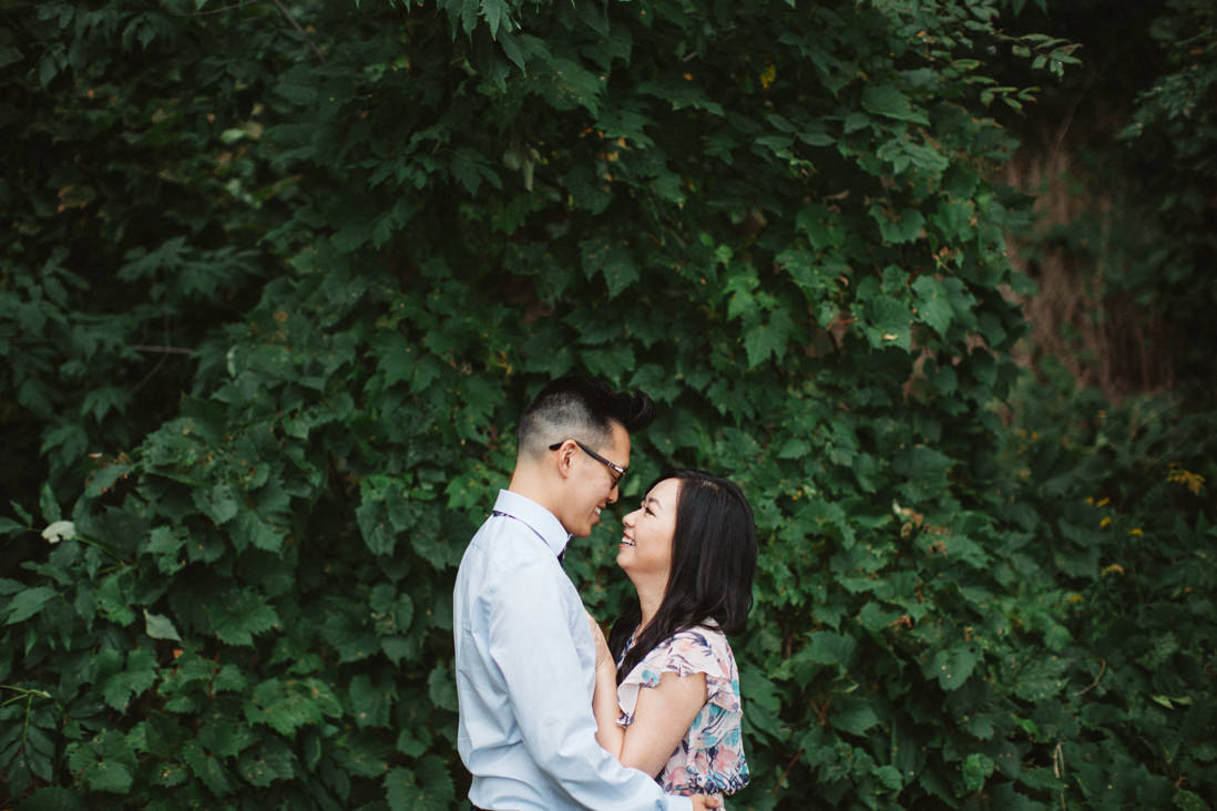 Lakeside Park Engagement | EightyFifth Street Photography