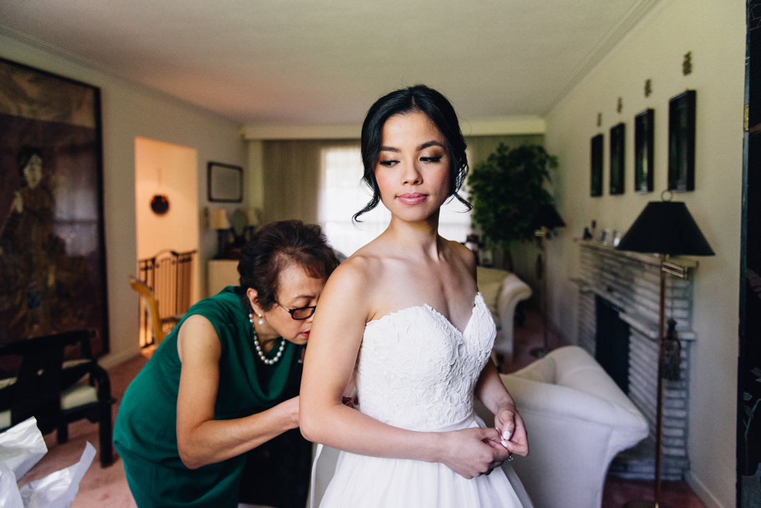 bride getting ready at home toronto wedding