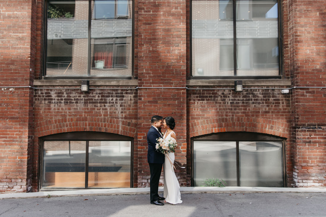 urban hotel ocho wedding toronto king st documentary wedding photographer eighty fifth street phtography