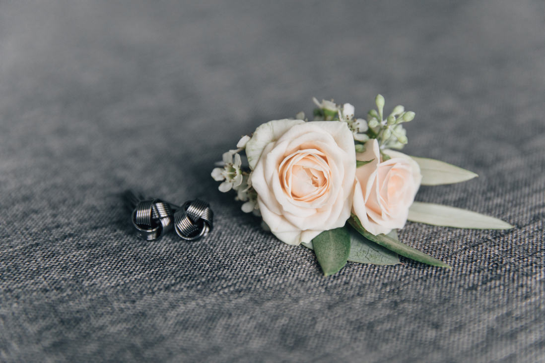 Groom's details - boutonniere by flower 597 | EightyFifth Street Photography
