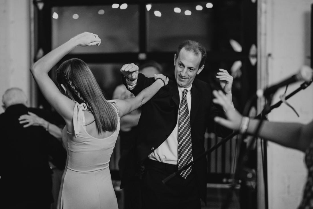 guests dancing Wedding reception Toronto_EightyFifth Street Photography